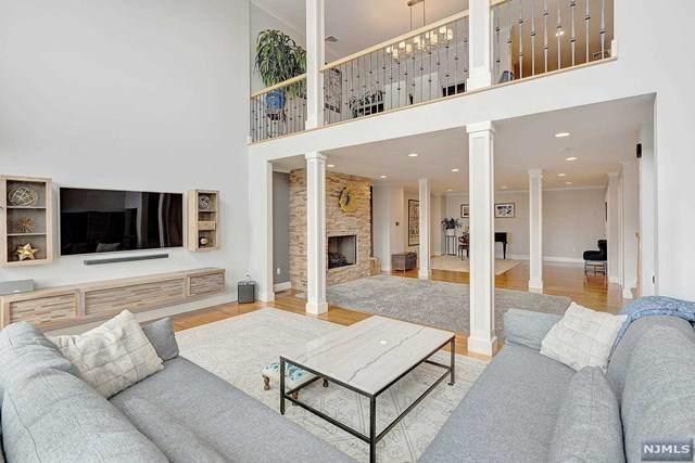 9 Oakdene Terrace, Edgewater, NJ 07020 (MLS #21023701) :: Pina Nazario
