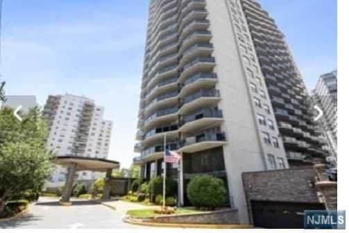 2077 Center Avenue 8J, Fort Lee, NJ 07024 (MLS #21023845) :: The Sikora Group