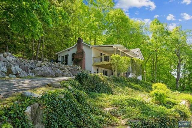 454 Skyline Lake Drive, Ringwood, NJ 07456 (#21023973) :: United Real Estate