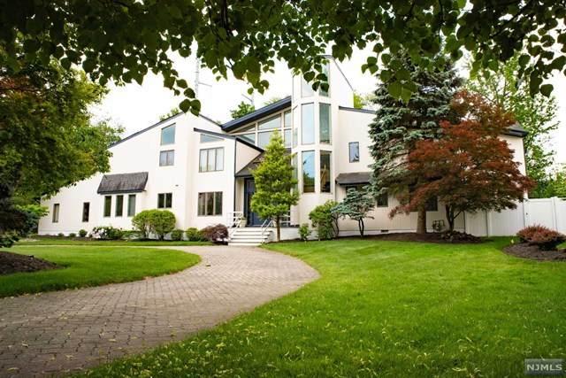 8 Dartmouth Court, Livingston, NJ 07039 (MLS #21024120) :: The Sikora Group