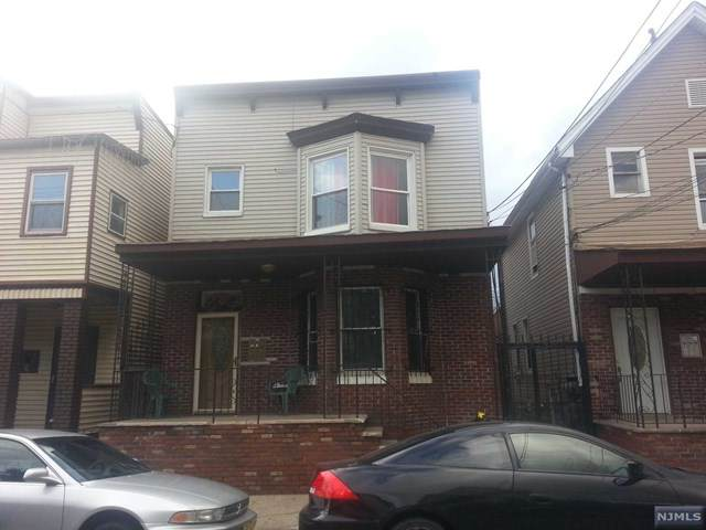 92 Highland Avenue, Newark, NJ 07104 (MLS #21024135) :: The Sikora Group
