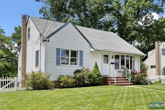 332 Jackson Avenue, Twp Of Washington, NJ 07676 (#21024222) :: United Real Estate