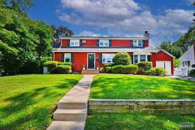 520 Elizabeth Street, New Milford, NJ 07646 (MLS #21024237) :: The Dekanski Home Selling Team