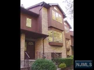 4 Westley Lane, New Milford, NJ 07646 (MLS #21024305) :: The Dekanski Home Selling Team
