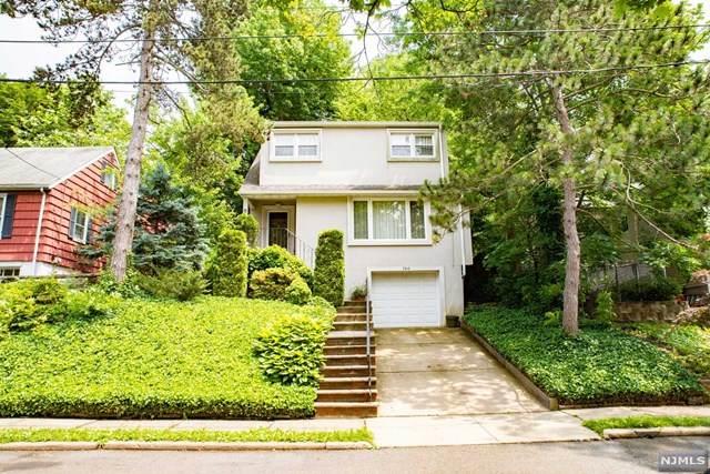 760 Ravenhill Place, Ridgefield, NJ 07657 (MLS #21024325) :: RE/MAX RoNIN