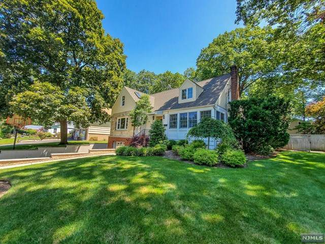 619 Calvin Street, Twp Of Washington, NJ 07676 (#21024340) :: United Real Estate