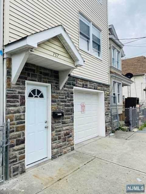 Paterson, NJ 07501 :: RE/MAX RoNIN