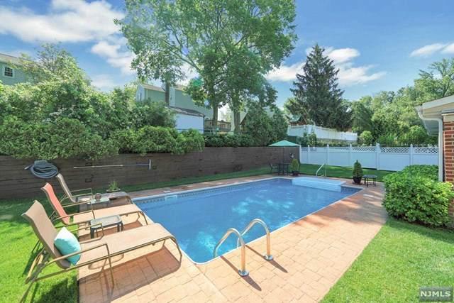 410 Lee Avenue, River Edge, NJ 07661 (MLS #21024460) :: The Dekanski Home Selling Team