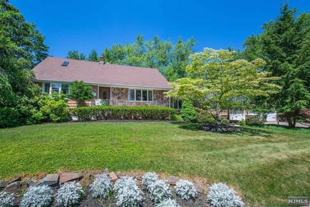 110 Carol Place, Wayne, NJ 07470 (#21024505) :: United Real Estate