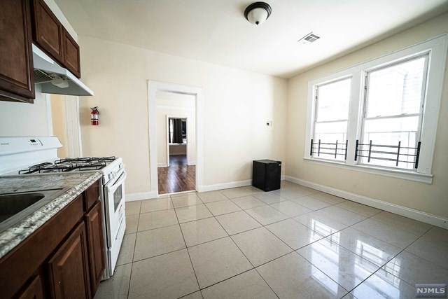 38 Aldine Street, Newark, NJ 07112 (MLS #21024608) :: Team Francesco/Christie's International Real Estate