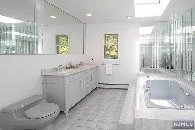 9 Skyline Drive, West Orange, NJ 07052 (MLS #21024613) :: Team Francesco/Christie's International Real Estate