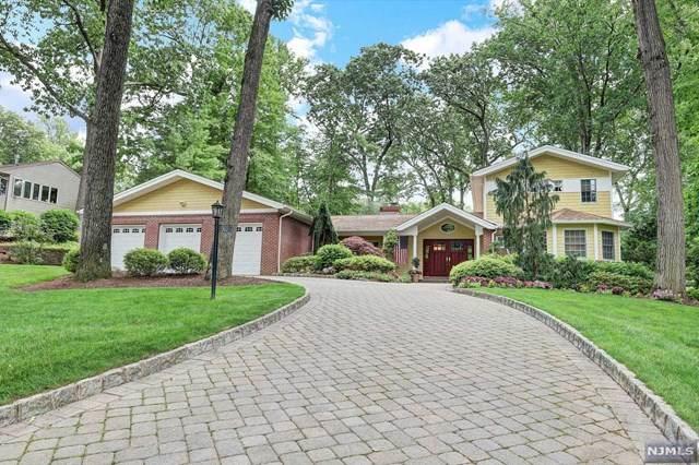 702 Beechwood Drive, Twp Of Washington, NJ 07676 (#21024752) :: United Real Estate