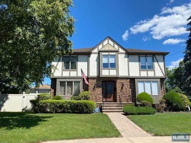 41 Smith Street, Waldwick, NJ 07463 (#21024773) :: United Real Estate
