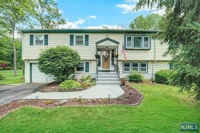 73 N Mountain Circle, West Milford, NJ 07480 (MLS #21024864) :: Team Francesco/Christie's International Real Estate