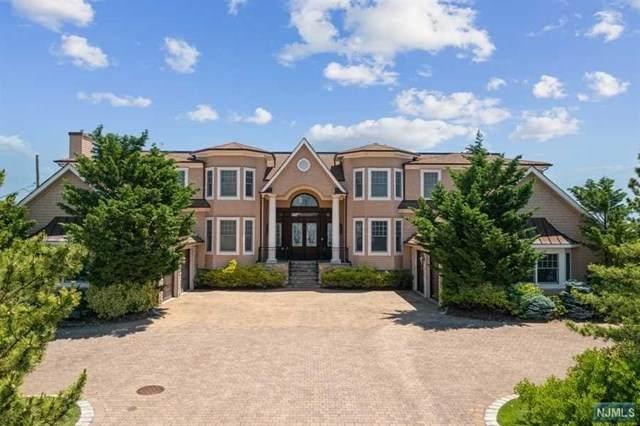 11 Ocean Avenue, Monmouth Beach, NJ 07750 (MLS #21024928) :: Team Braconi | Christie's International Real Estate | Northern New Jersey