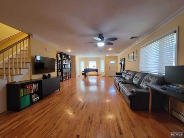 461A Lawn Avenue A, Palisades Park, NJ 07650 (MLS #21024969) :: Team Francesco/Christie's International Real Estate