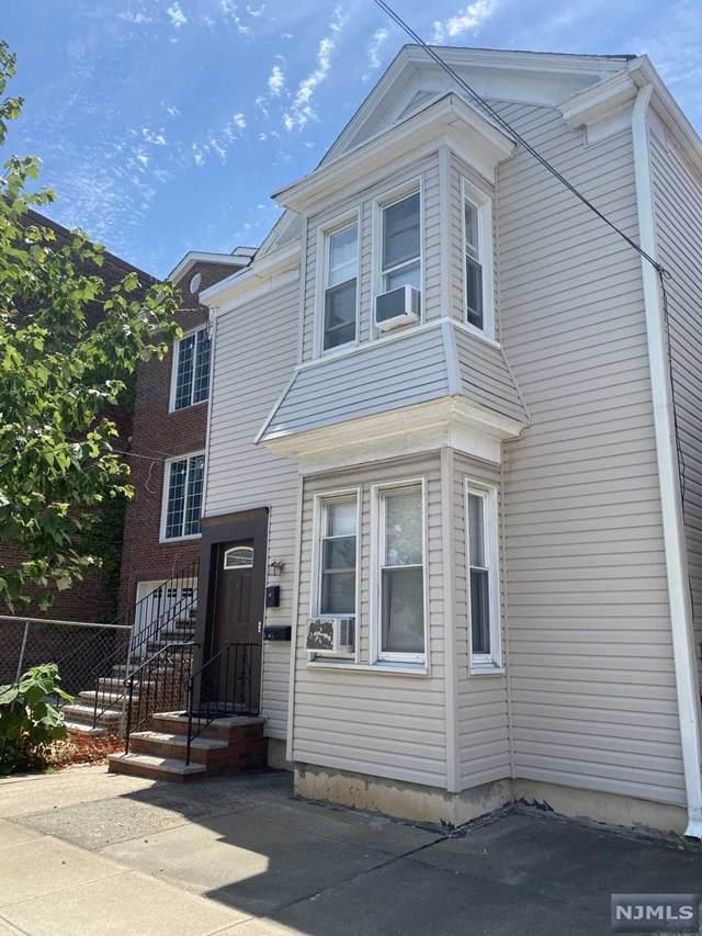211 7th Street, Harrison, NJ 07029 (MLS #21024975) :: RE/MAX RoNIN