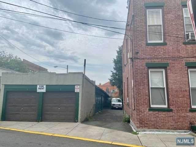 545-547 9th Street, Union City, NJ 07087 (MLS #21025090) :: Corcoran Baer & McIntosh