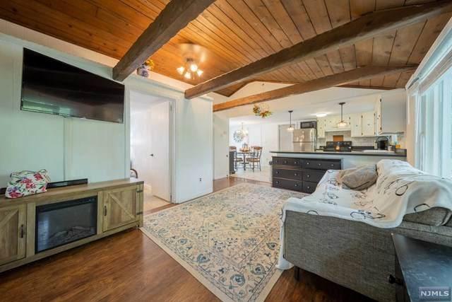 20 Locust Road, Wantage, NJ 07461 (#21025152) :: United Real Estate