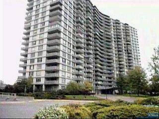 2100 Linwood Avenue 3-X, Fort Lee, NJ 07024 (MLS #21025185) :: Corcoran Baer & McIntosh
