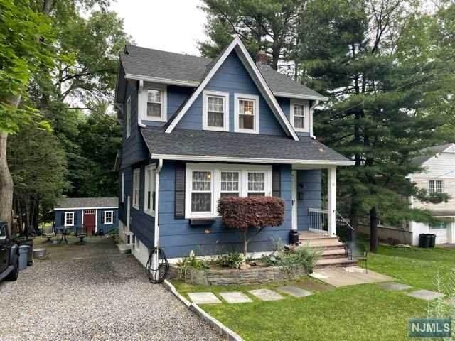 10 Valley Road, Haworth, NJ 07641 (MLS #21025278) :: Kiliszek Real Estate Experts