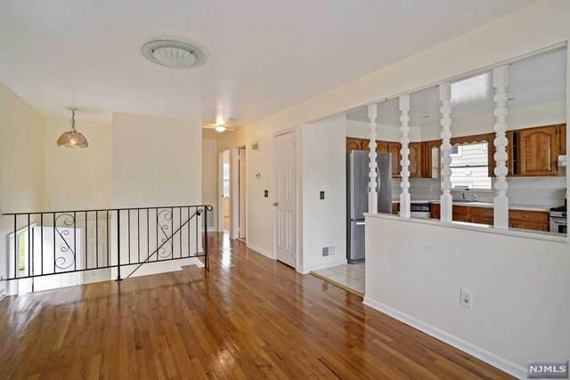 207 Maple Avenue, SOUTH BOUND BROOK, NJ 08880 (#21025346) :: United Real Estate