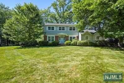 26 Wood Glen Way, Par-Troy Hills Twp., NJ 07054 (MLS #21025370) :: Howard Hanna Rand Realty
