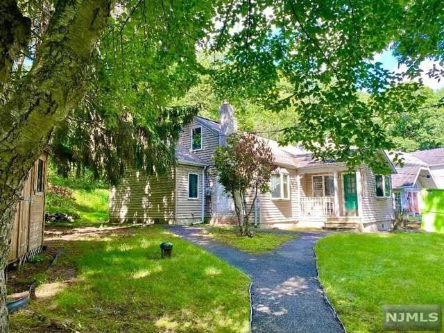 31 Duncan Lane, Wayne, NJ 07470 (MLS #21025536) :: Team Francesco/Christie's International Real Estate