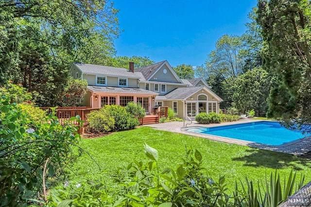 422 Colony Court, Wyckoff, NJ 07481 (MLS #21025586) :: Team Francesco/Christie's International Real Estate