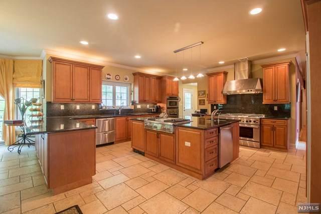 50 Crescent Drive, Ringwood, NJ 07456 (MLS #21025683) :: Team Francesco/Christie's International Real Estate