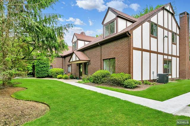 487 Piermont Avenue, River Vale, NJ 07675 (#21025822) :: United Real Estate