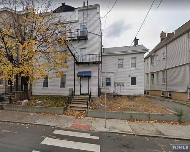 395 Bergen Avenue - Photo 1