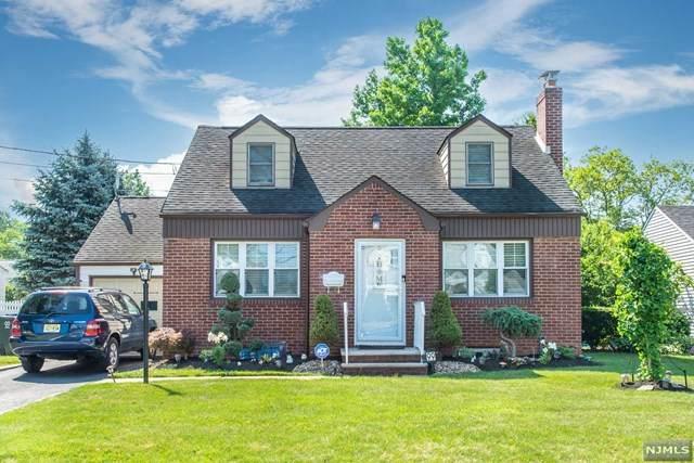 99 Saint Laurent Drive, Clark, NJ 07066 (MLS #21026455) :: Kiliszek Real Estate Experts