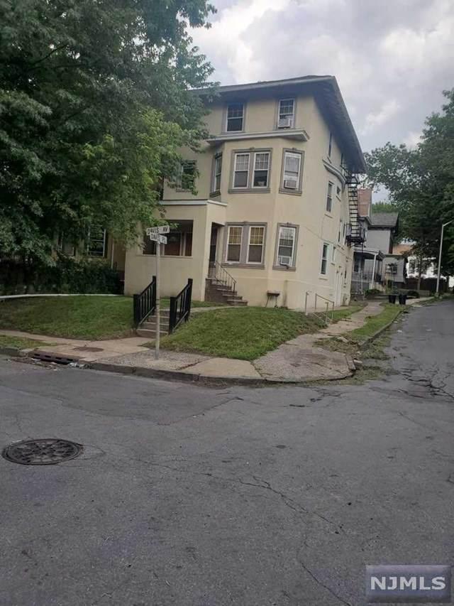 6 Davis Avenue - Photo 1
