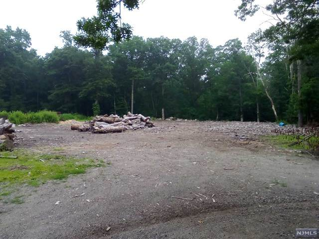 3120 Route 23, West Milford, NJ 07480 (#21027452) :: United Real Estate