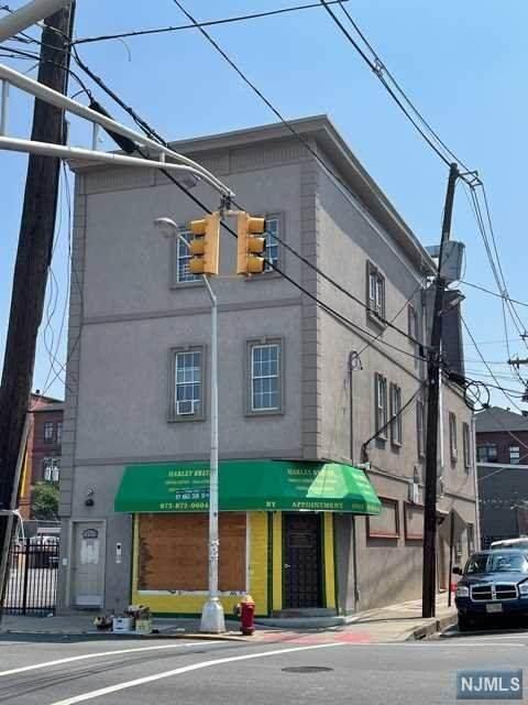 331 Straight Street - Photo 1