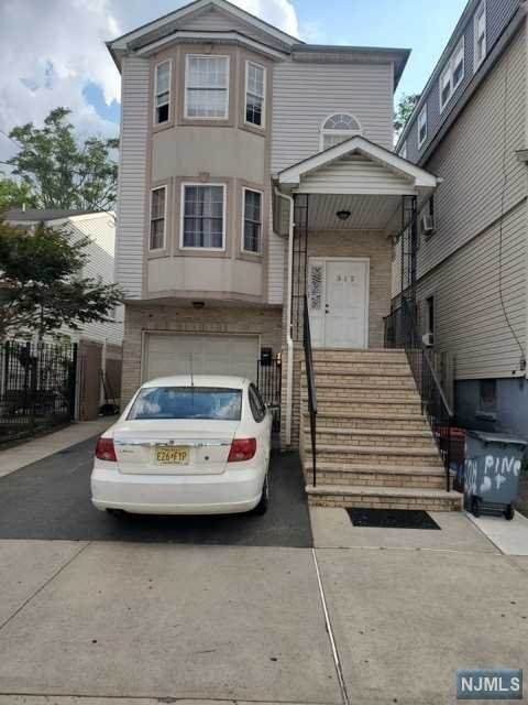312 Pine Street - Photo 1