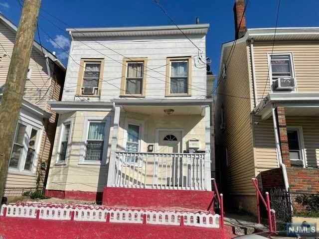 113 Butler Street - Photo 1
