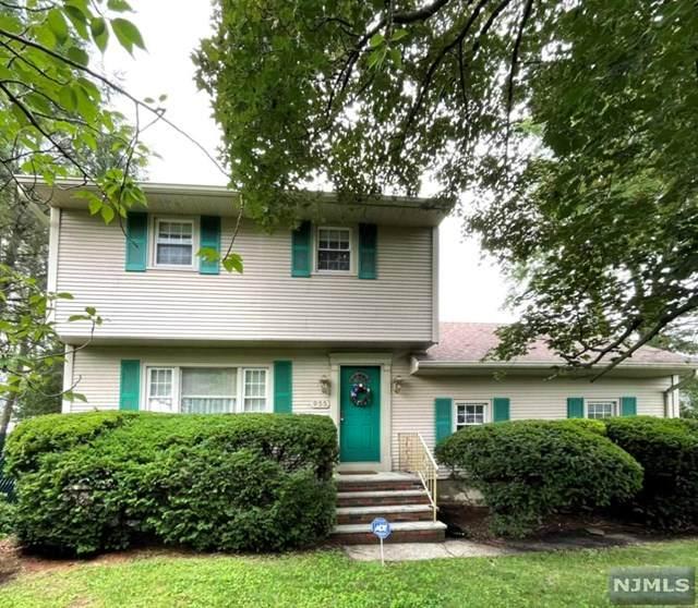 955 River Road, New Milford, NJ 07646 (#21028315) :: NJJoe Group at Keller Williams Park Views Realty