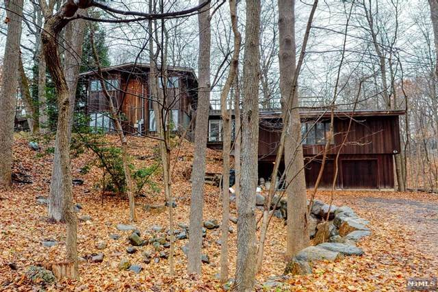 25 Sparrowbush Road, Upper Saddle River, NJ 07458 (MLS #21028472) :: Howard Hanna Rand Realty