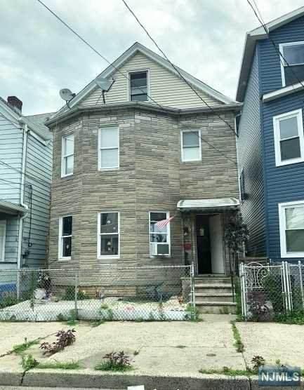 92 10th Street, Passaic, NJ 07055 (MLS #21028477) :: Howard Hanna Rand Realty