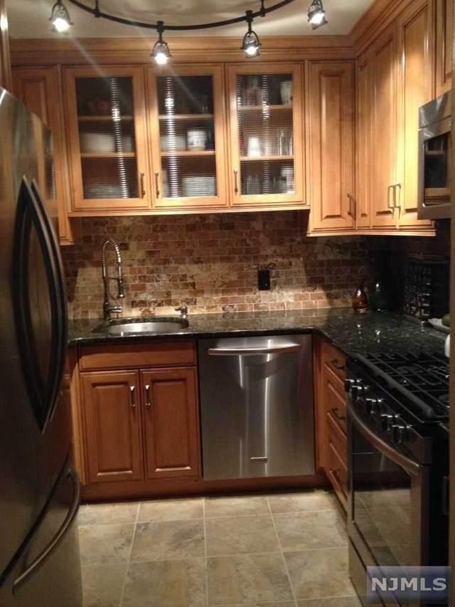 192 Burnett Avenue, Maplewood, NJ 07040 (MLS #21028485) :: Howard Hanna Rand Realty