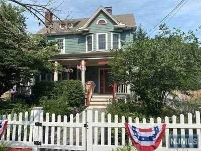 142 2nd Avenue, Westwood, NJ 07675 (MLS #21028794) :: Howard Hanna Rand Realty
