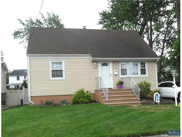 6 Crestwood Court, Totowa, NJ 07512 (MLS #21028817) :: Kiliszek Real Estate Experts