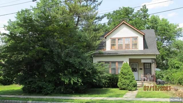 2 Pine Tree Terrace, Madison Borough, NJ 07940 (MLS #21029081) :: Kiliszek Real Estate Experts