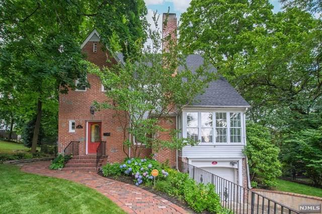 23 Fairway Drive, West Orange, NJ 07052 (MLS #21029257) :: The Dekanski Home Selling Team