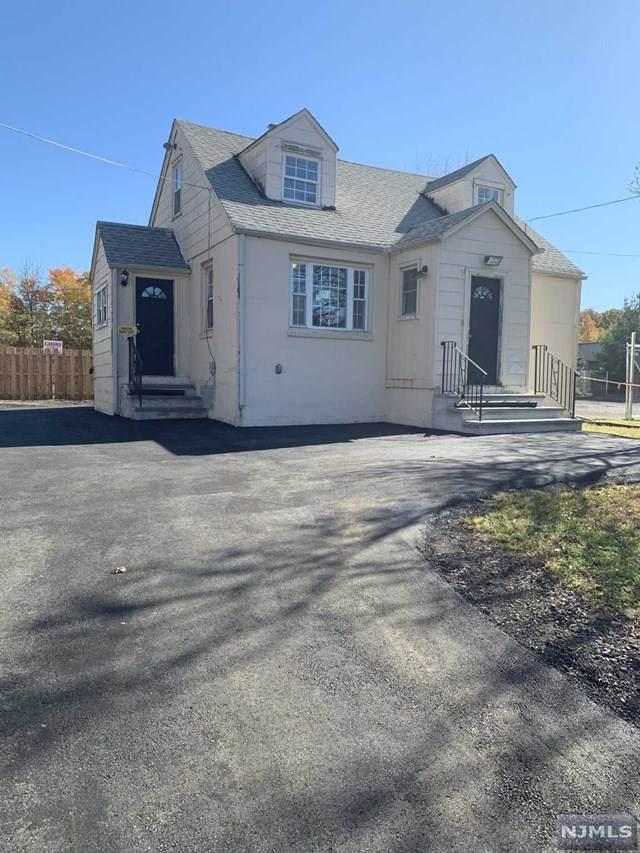 3046 S Clinton Avenue, South Plainfield, NJ 07080 (MLS #21029338) :: Kiliszek Real Estate Experts