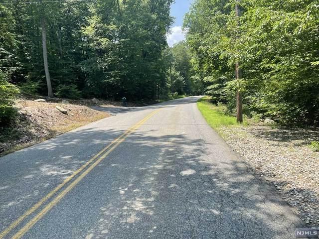 190A Brook Valley Road, Kinnelon Borough, NJ 07405 (MLS #21029456) :: Kiliszek Real Estate Experts