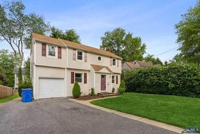 5 Colonial Road, Tenafly, NJ 07670 (MLS #21029612) :: Howard Hanna | Rand Realty