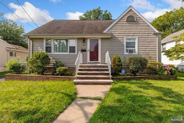 8-28 Oak Street, Fair Lawn, NJ 07410 (MLS #21029616) :: The Dekanski Home Selling Team